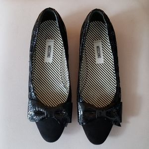 Authentic MOSCHINO Leather Flats/Patent Bow